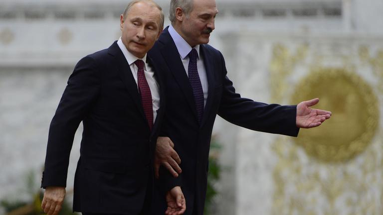 A Kreml megunta a cicázást Lukasenkóval
