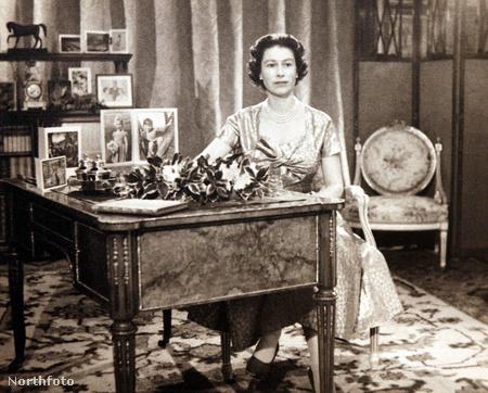 A királynő első karácsonyi beszédén, 1957-ben
