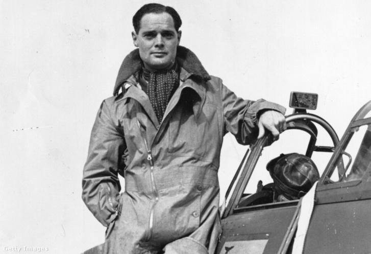 Bader 1940 októberében Hurricane gépe oldalán