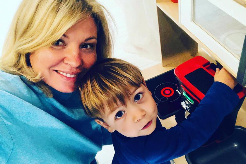Liptai Claudia és fia szelfiztek egyet. Sokan megdicsérték ennél a képnél Marci gyönyörű szemeit.