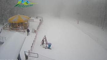 Kékestetőn csaknem 40 centiméteres hó van
