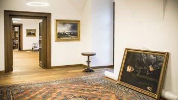 Az Iparművészeti Múzeum titkosíttatná, milyen műtárgyakat adott kölcsön Orbán új irodájába