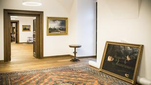38 műtárgyat kölcsönöztek Orbán új irodájába