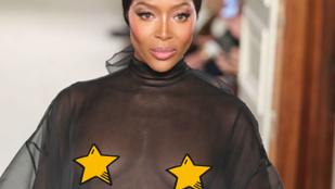 Alaposan körbemutogatta a meztelen melleit a 48 éves Naomi Campbell