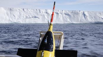 Tengeralattjáró robotok egy éven keresztül vizsgálták az Antarktisz jegét alulról