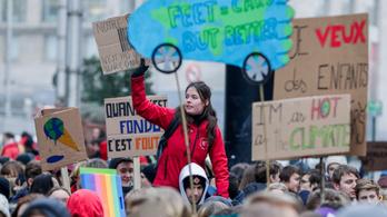 35 ezren tüntettek a határozottabb klímaváltozás elleni fellépésért Brüsszelben