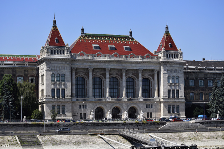 Budapesti Műszaki és Gazdaságtudományi Egyetem régi főépülete