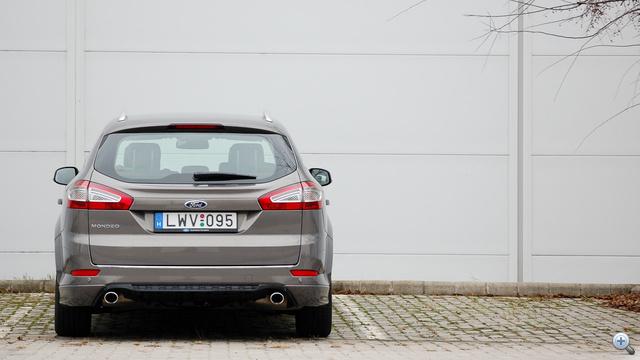 Tolatóradar nélkül esélytelen a parkolás