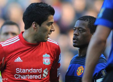 Luis Suarez és Patrice Evra