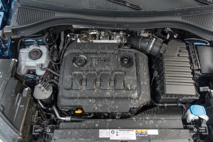 A kétliteres TDI két turbóval 240 lóerőt és 500 newtonmétert produkál. Ez kell is a Kodiaq sportos mozgatásához