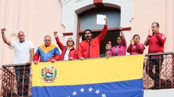 Washington hazahívta legtöbb diplomatáját Venezuelából