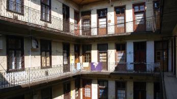 3909 üresen álló önkormányzati lakás van Budapesten