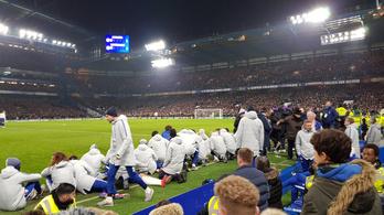 Guggolva izgulták végig a Chelsea-nél a büntetőket, hogy a nézők is lássák a pályát