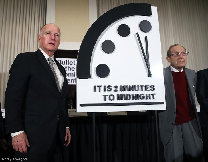 Jerry Brown, és William Perry a Végítélet órájával