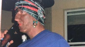 Távoznia kell a magát feketére maszkírozó floridai tisztségviselőnek