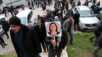 79 napos éhségsztrájk után szabadon engedték Leyla Güvent