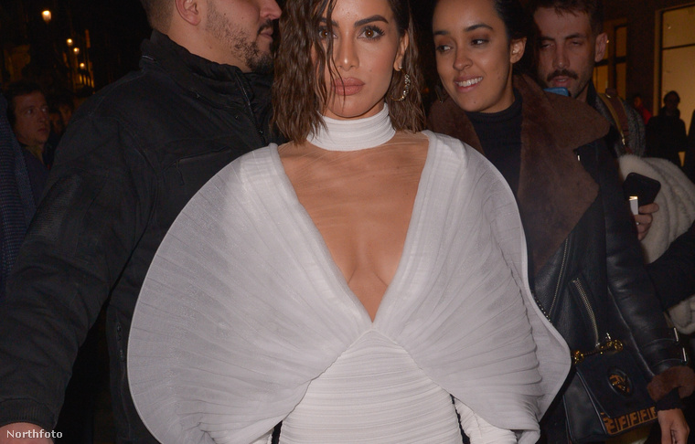 6. Camila Coelho