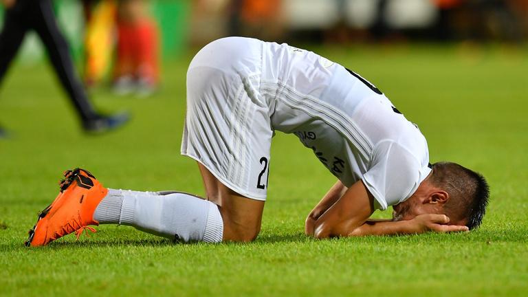 Mit kerestek profi futballisták szociális bérlakásban?