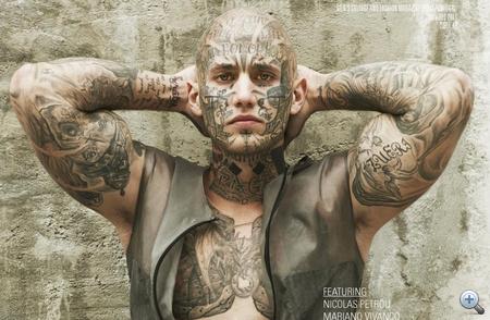 Dario, az év egyik felkapott arctetovált modellje (a másik ugye Rick Genest) a DSECTION című magazin címlapján. A fotós Mariano Vivanco volt