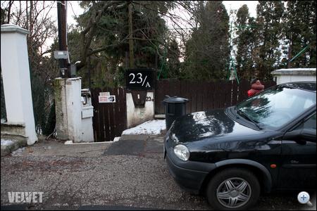Klapka György házánál - ezen a telken áll az a ház, ahol Mary Zsuzsi utolsó hónapjaiban élt