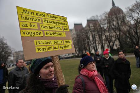 Tüntetés az egyházügyi törvény ellen