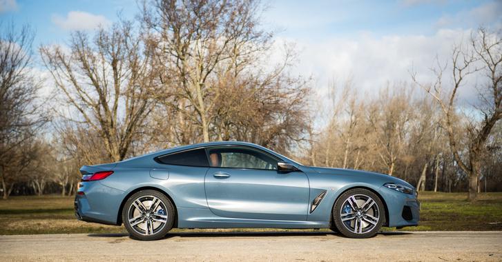 A BMW történetének egyik legszebb fényjátéka