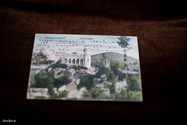 Ady olykor a képeslapok elejére is írt.