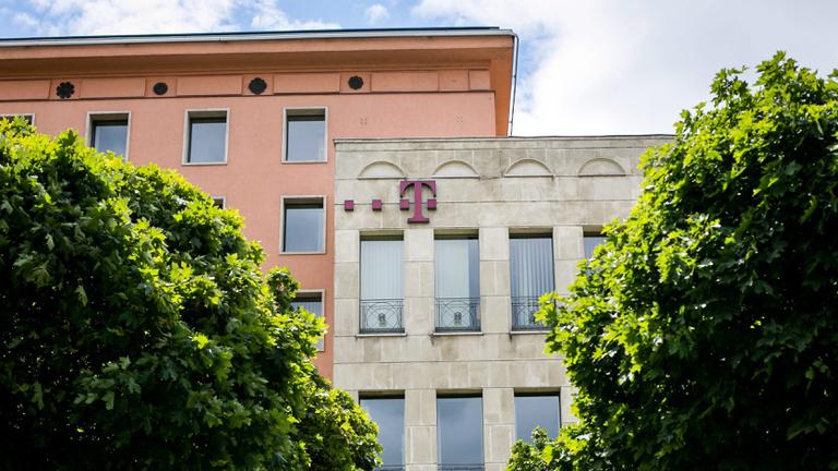 Szólt a Magyar Telekomnak egy biztonsági résről, 8 év börtönt kaphat