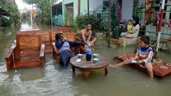 Ítéletidő Indonéziában: száznál több halott és sebesült