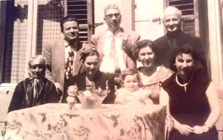 Az Abravanel és a Rezniqi család - Arslan és Mustafa 1957-ben.