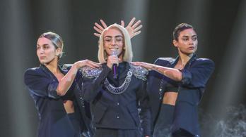 Máris 1500 tweetben gyalázták a transznemű, meleg francia Eurovízió-versenyzőt