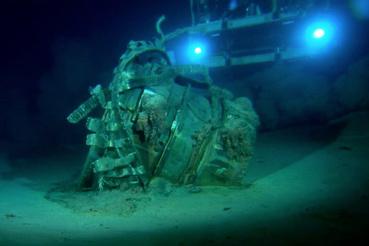 Így néz ki egy roncsgyűjtés négyezersok méter mélyen