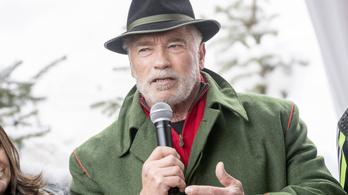 Blikk: Schwarzenegger beszédet mond Andy Vajna temetésén