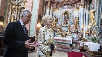 Rendkívül olcsón bérel az önkormányzattól lakást a Habsburg főherceg a Várban