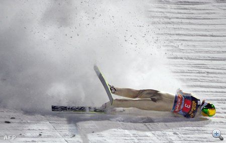 Hilde 131,5 méterre repült, de nem tudott a lécein maradni, elismerte utána, az ugrás utolsó szakaszában hibázott.