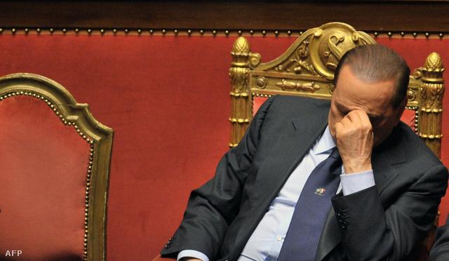 Egy ideje fájhatott Berlusconi feje