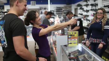 Egyre több a maroklőfegyver az USA-ban