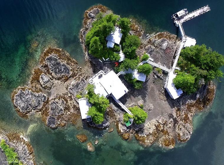 Íme felülnézetből a sziget, ami az öné lehet
