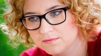 Veiszer Alinda a szlovák közmédiánál folytatja