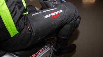Teszt: Speed Up Trip bőrnadrág és Sixgear Venture túracsizma
