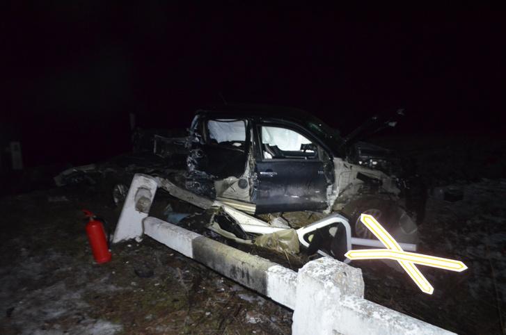 Vonattal ütközött egy személygépkocsi Vitnyéd és Kapuvár között egy vasúti átjáróban. A sofőr nem sérült, szerencsére utasa is csak könnyebb sérüléseket szenvedett