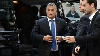 4 perc alatt hekkelhették meg a 2016-os Orbán interjút