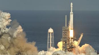Március 7-én startolhat újra a SpaceX rakétaszörnyetege
