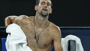Átöltözéskor lefotózták Novak Djokovics titokzatos medálját