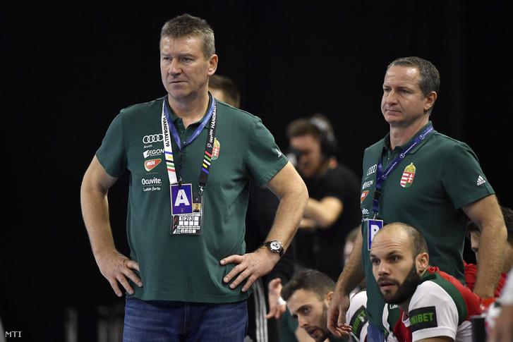 Csoknyai István (b) és Vladan Matics (j) szövetségi kapitányok a férfi kézilabda-világbajnokság csoportkörének 4. fordulójában játszott Magyarország - Egyiptom mérkőzésen Koppenhágában 2019. január 16-án.