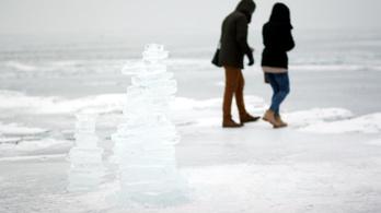 Több ezer tó vesztheti el téli jégpáncélját