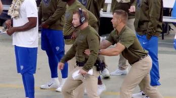 Sérülés miatt lemarad a Super Bowlról a legfurcsább munkájú edző