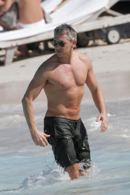 Gary Lineker a vízben Saint Barthélemy szigetén