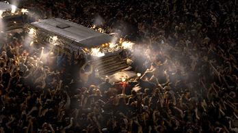 Újra zombifilmet készít Az Igazság Ligája rendezője