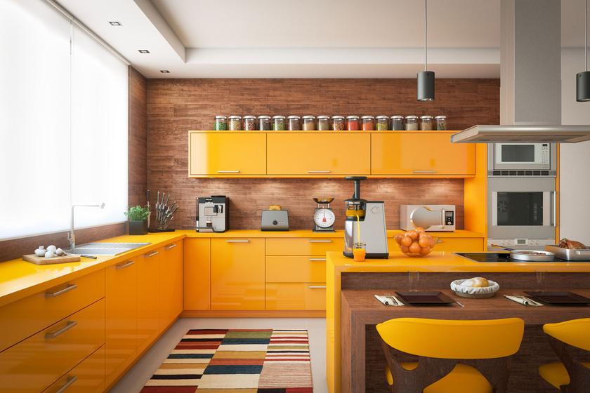 A sárga szín keveseknek jut eszébe a konyhaszekrényről, pedig ez a jól eltalált napsárga árnyalat még egy sötét helyiséget is feldobna.